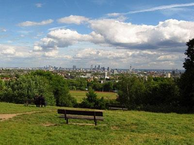 Private personalised london hampstead tours by locals for Hampstead heath park swimming pool